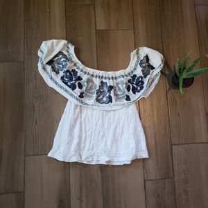Free People floral embroidered ruffle blouse L